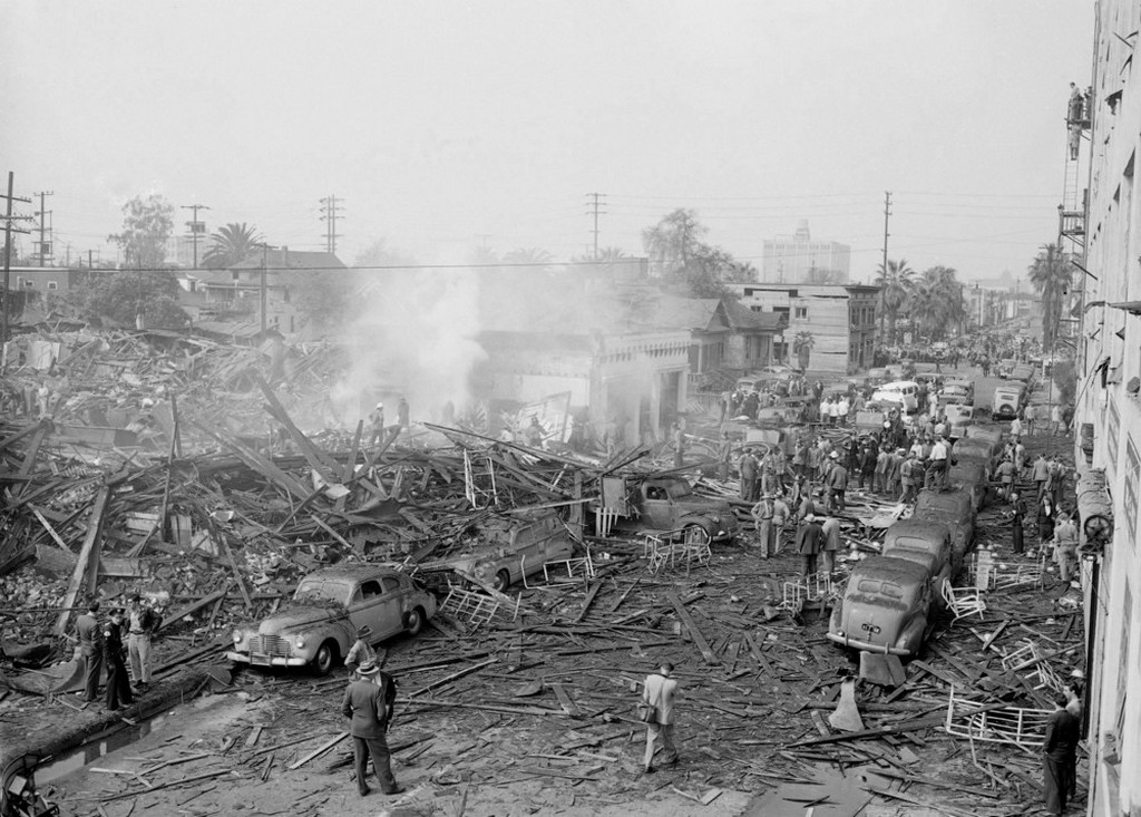 1947_wreckage_of_a_two-story_building_the_o_connor_electro-plating_company_which_was_destroyed_in_a_horrific_explosion_in_downtown_los_angeles_the_blast_killed_more_than_30_and_injured_over_one_hundred.jpeg