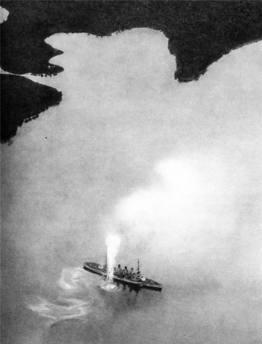 1914_aerial_photo_of_austro-hungarian_armored_cruiser_sms_kaiser_karl_vi_under_shelling_close_miss_by_montenegrin_coastal_batteries_ww1.jpg