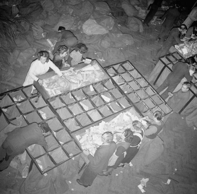 1946_a_brit_hadsereg_levelezesenek_feldolgozasa_brusszel.jpg