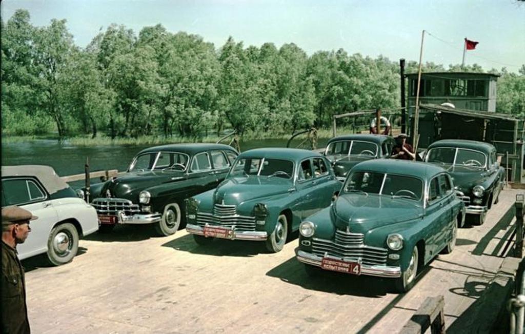 1951_atkeles_a_kuban_folyon_gaz-12_zim_es_gaz-m20_pobeda_tesztjarmuvekkel.jpeg
