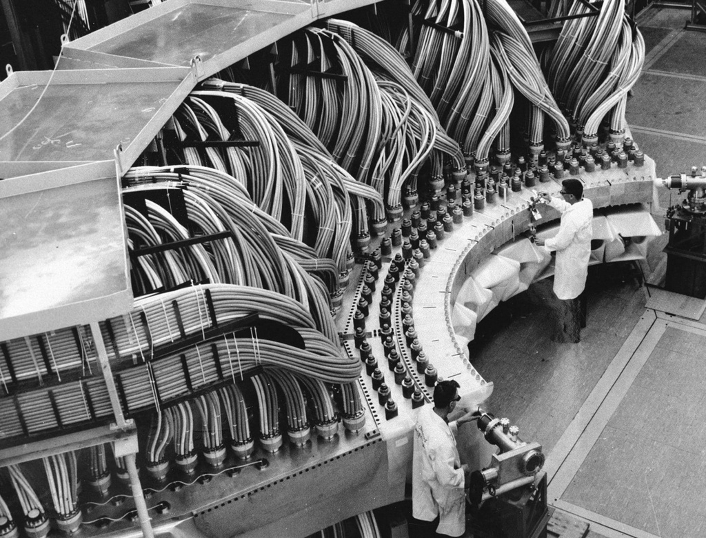 1974_los_alamos_national_laboratory_researchers_working_on_a_nuclear_testing_project.jpg