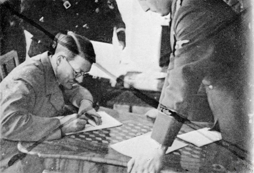 1939_heinrich_hoffmann_adolf_hitler_szemelyes_fotosa_keszitette_a_kepet_aminek_kozleset_a_fuhrer_szemelyesen_utasitotta_el_masolata.jpeg
