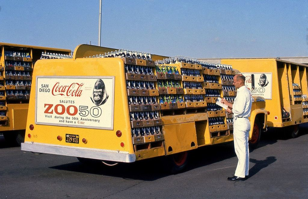 1966_coca-cola_delivery_truck_in_san_diego.jpg