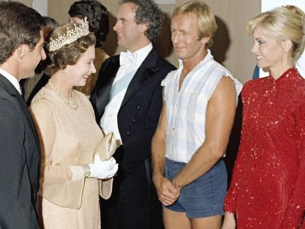 1980_australian_paul_hogan_meeting_the_queen.jpg