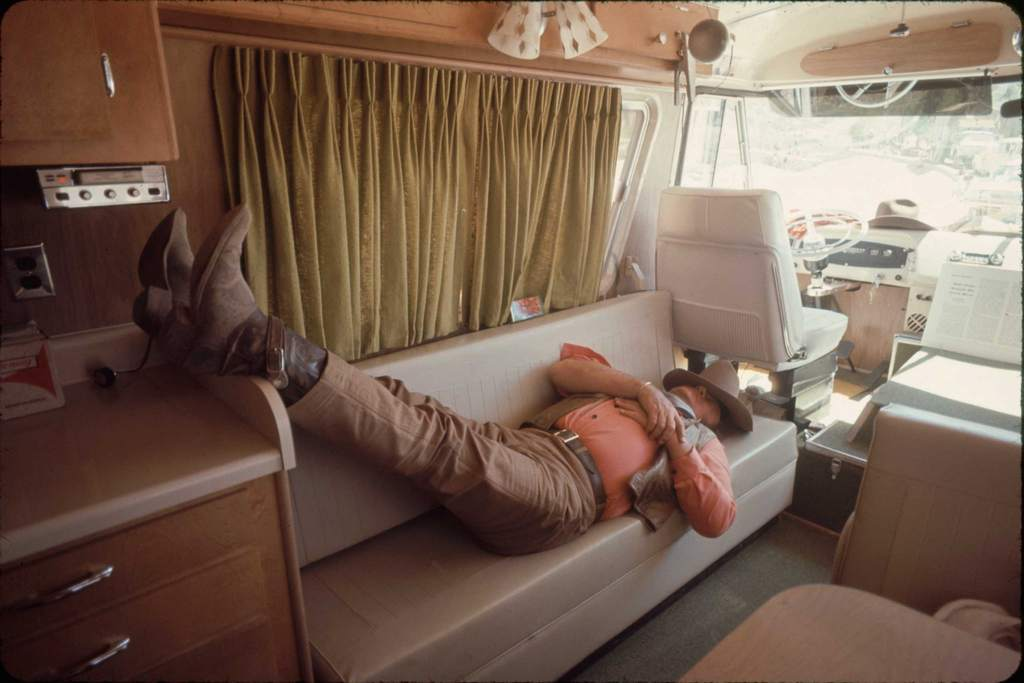 1969_john_wayne_takes_a_break_during_the_filming_of_the_undefeated.jpg