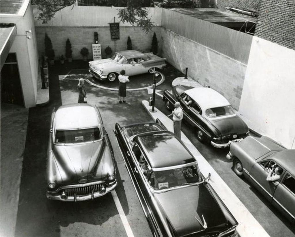 1957_turntable_keeps_autos_moving_in_and_out_of_narrow_driveway_of_john_bauman_bakery_at_2122_germantown_avenue_philly.jpg