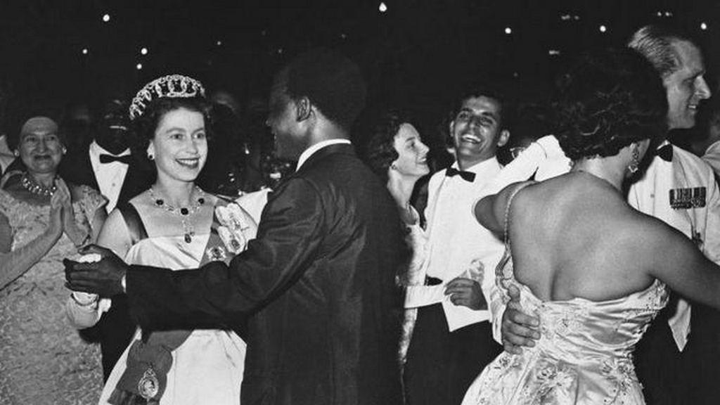 1961_queen_elizabeth_ii_dancing_with_the_president_of_ghana_kwame_nkrumah.jpg