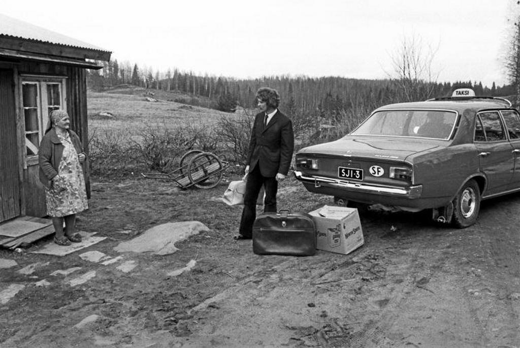 1971_finnish_immigrant_returns_home_from_sweden.jpg