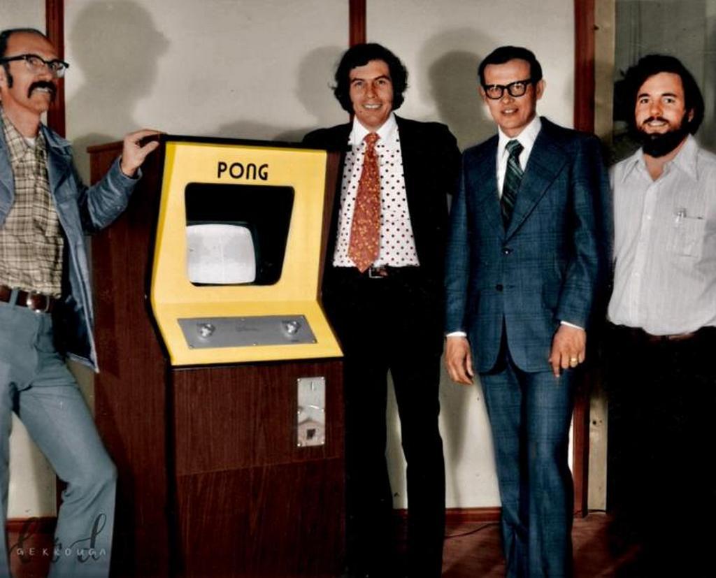 1972_az_atari_alapitoi_a_pong_slot_machine_bemutatojan_kalifornia_usa.jpeg