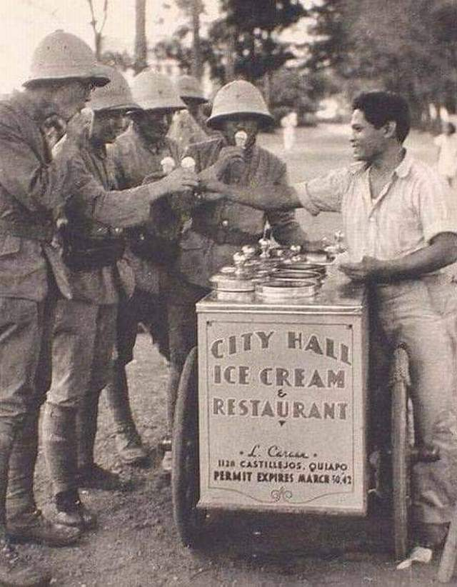 1942_japanese_soldiers_buy_ice_cream_from_a_filipino_vendor_in_occupied_manila.jpg