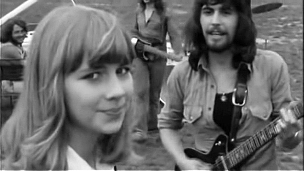1974_morvai_krisztina_az_lgt_egyuttes_o_meg_csak_most_tizennegy_videoklipjeben.jpg
