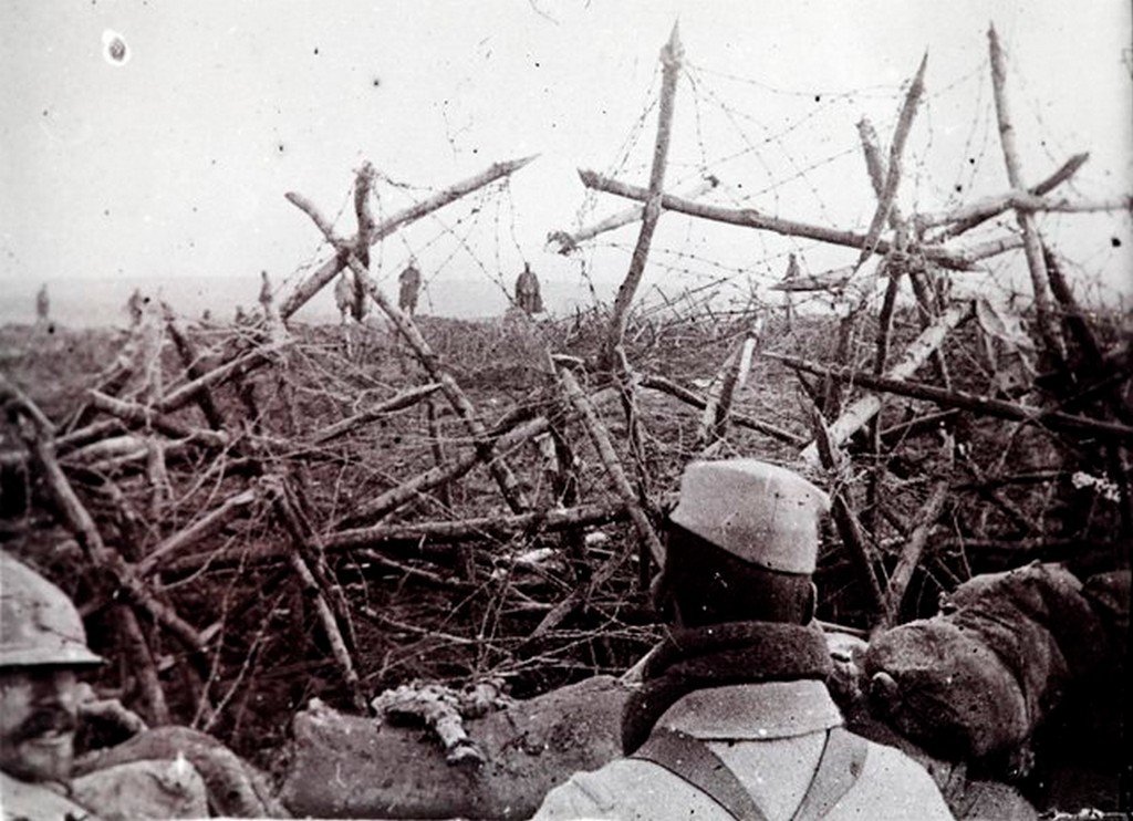 1918_german_soldiers_rear_offer_to_surrender_to_french_troops_as_seen_from_a_listening_post_in_a_trench_at_massiges_northeastern_france_in_this_undated_archive_picture.jpg