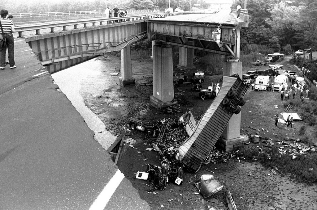 1983_a_100-foot-long_section_of_the_interstate_95_bridge_spanning_the_mianus_river_in_greenwich_ct_collapsed_june_29_3_killed_and_3_seriously_injured_when_their_vehicles_plunged_70_feet_to_the_river.jpeg