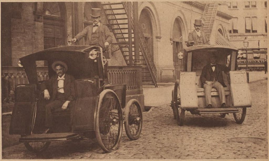 1898_morris_and_salom_electrobats_in_front_of_the_old_metropolitan_opera_house_on_manhattan_s_39th_street_the_electrobats_are_electric_battery-powered_cars_that_served_as_early_taxis_in_nyc.jpg