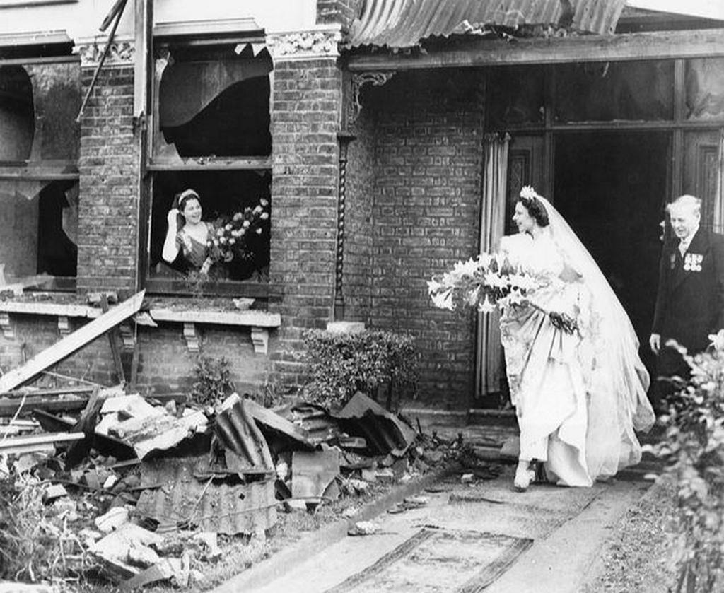 1940_bride_in_blitz_london.jpg