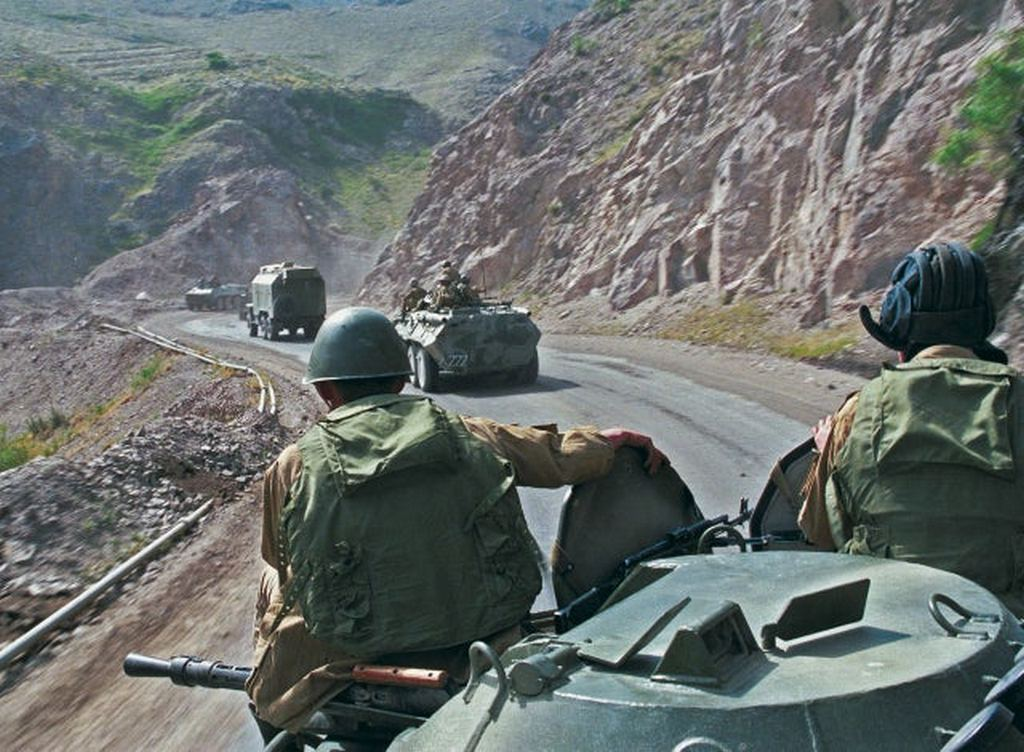 1988_soviet_forces_convoy_in_afghanistan.jpg