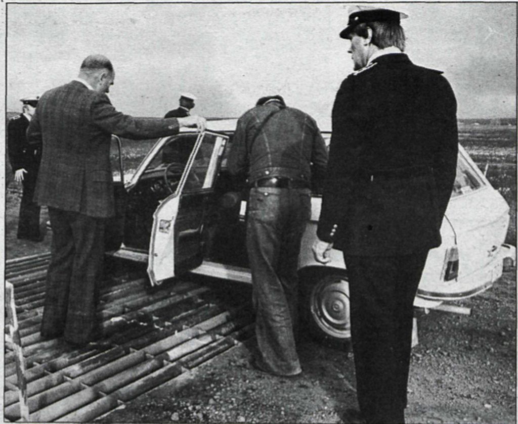1977_icelandic_police_and_detectives_at_the_site_of_a_rare_murder_scene.png