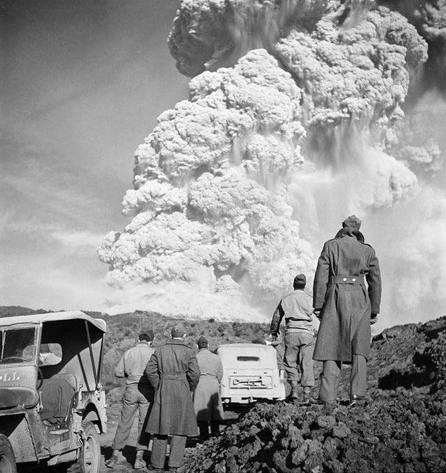 1944_the_last_eruption_of_vesuvius_volcano_in_naples_italy.jpg