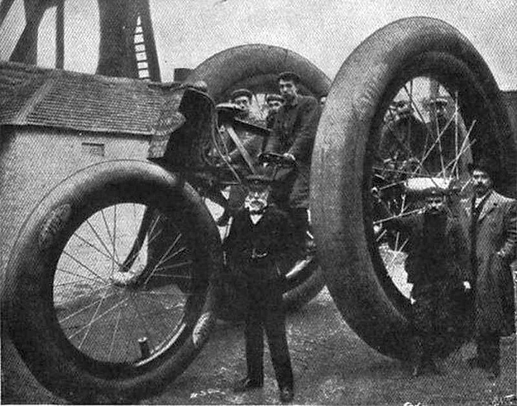 1896_a_bostoni_vim_gumigyar_sajat_gyartasu_promocios_triciklije.jpg