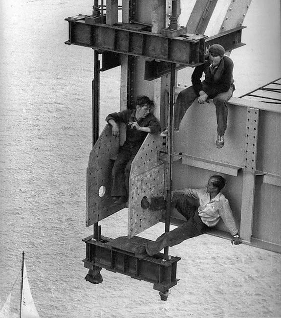 1955_auckland-harbour-bridge-workers.jpg