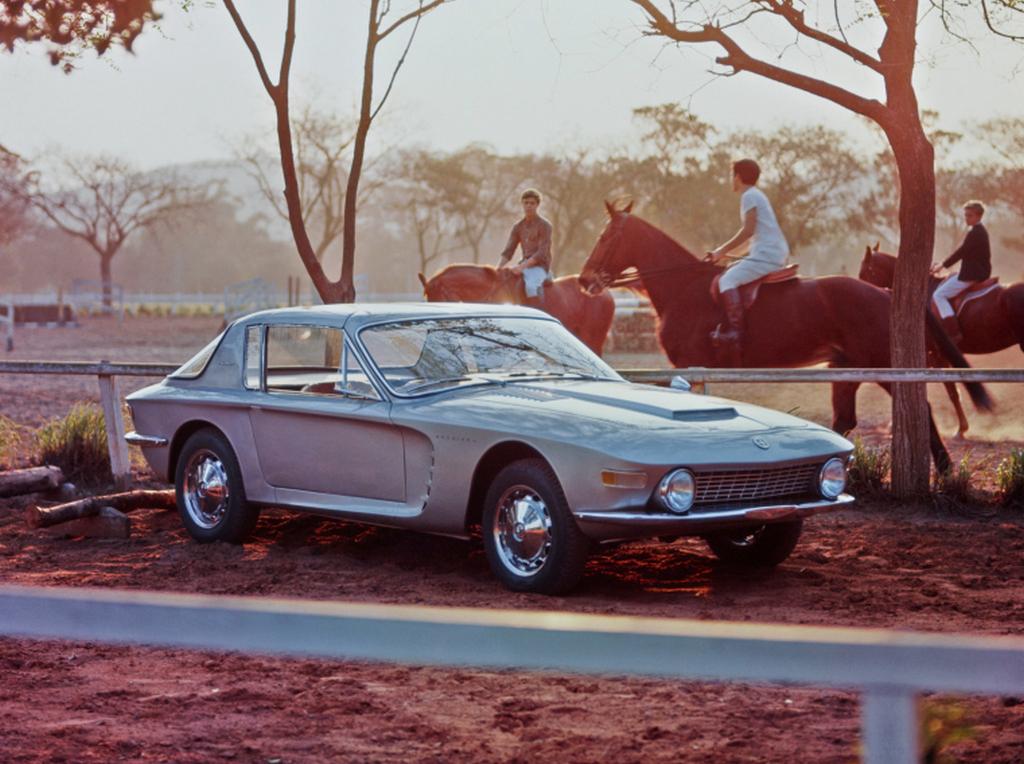 1964_brasinca_uirapuru_brazil_sportauto_a_4_2_literes_chevrolet_motorral_szerelt_kocsibol_harom_ev_alatt_73_darabot_gyartottak_cr.jpg