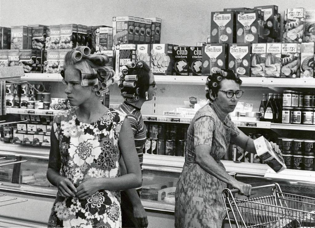 19703_grocery_shoppers_usa.jpg