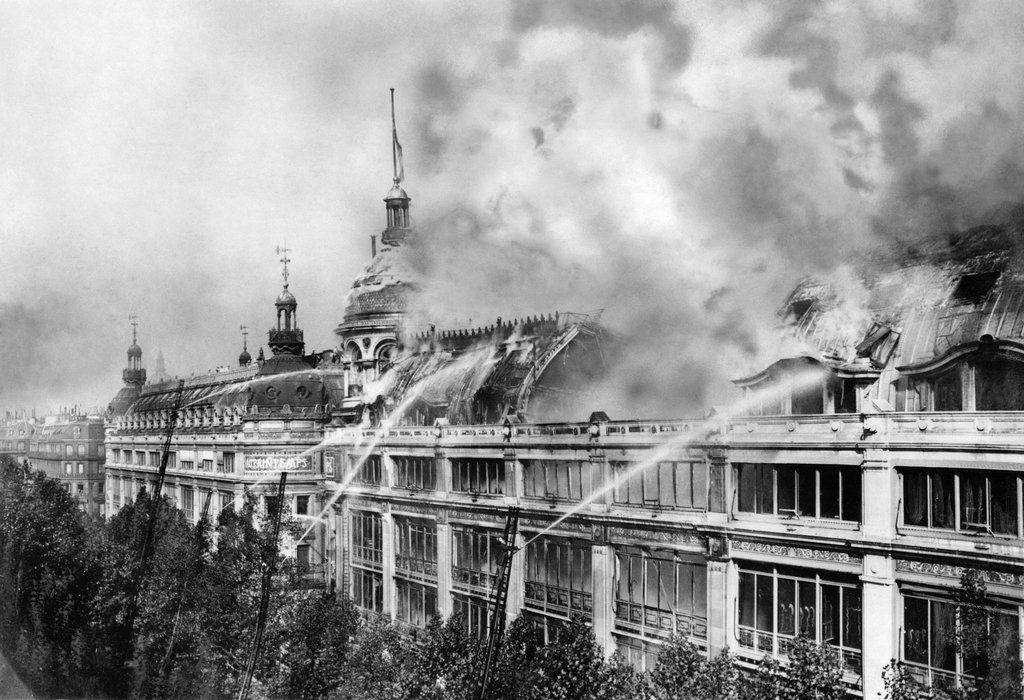 1921_the_storied_department_store_magasin-au-printemps_in_paris_was_heavily_damaged_in_a_fire.jpg