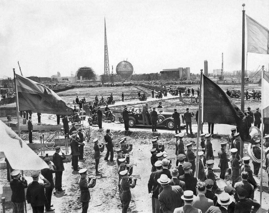 1938_president_roosevelt_inspected_the_site_of_the_upcoming_world_s_fair.jpg