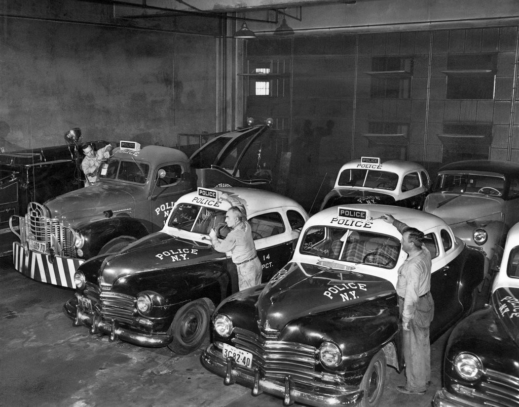 1949_a_policecar_repair_shop_in_brooklyn.jpg