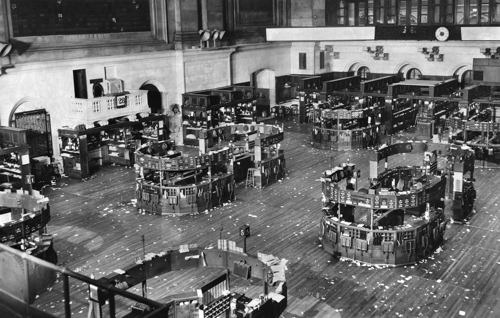 1951_an_air-raid_drill_emptied_the_streets_and_stock_exchanges_of_new_york_city.jpg