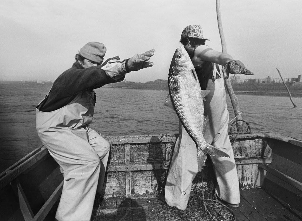 1985_fishermen_on_the_hudson_river.jpg