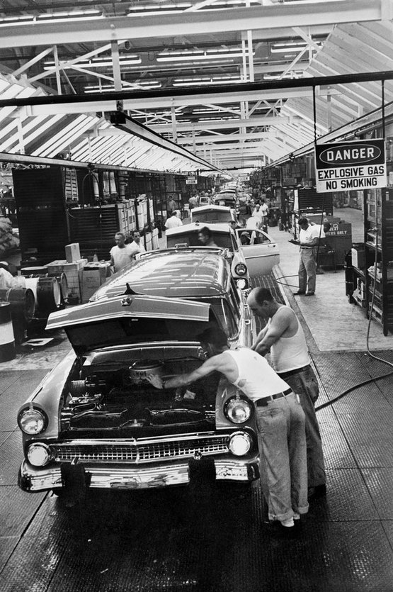 1955_the_assembly_line_at_the_ford_motor_company_s_new_plant_in_mahwah_n_j_during_the_first_week_it_was_open.jpg