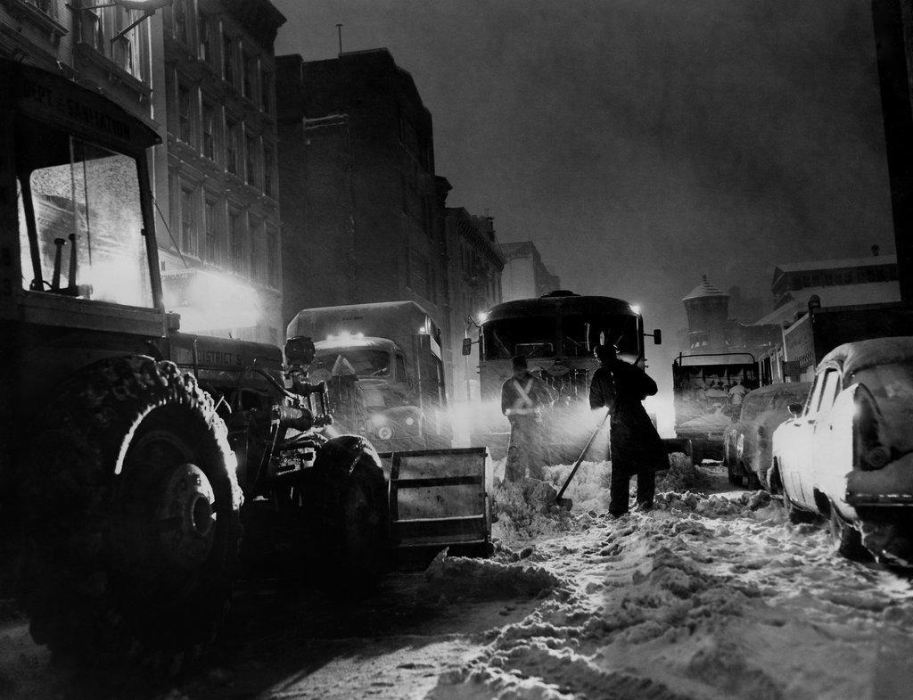 1957_heavy_early_snowfall_wreaked_havoc_and_three_people_were_killed.jpg