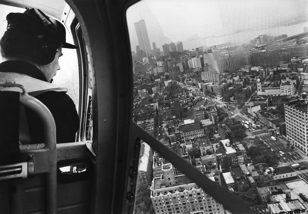 1979_new_york_city_police_aviation_unit_scoured_soho_rooftops_in_the_growing_search_for_etan_patz_the_boy_who_disappeared_on_his_way_to_a_bus_stop_38_ev_utan_lett_meg_gyilkosa.jpg