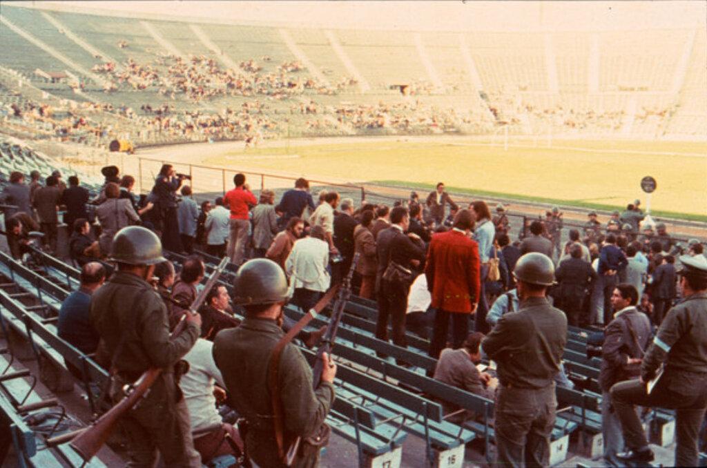 1973_koncentracios_tabor_a_national_de_chile_stadionban_a_puccs_korai_napjaiban_santiago_chile.jpeg