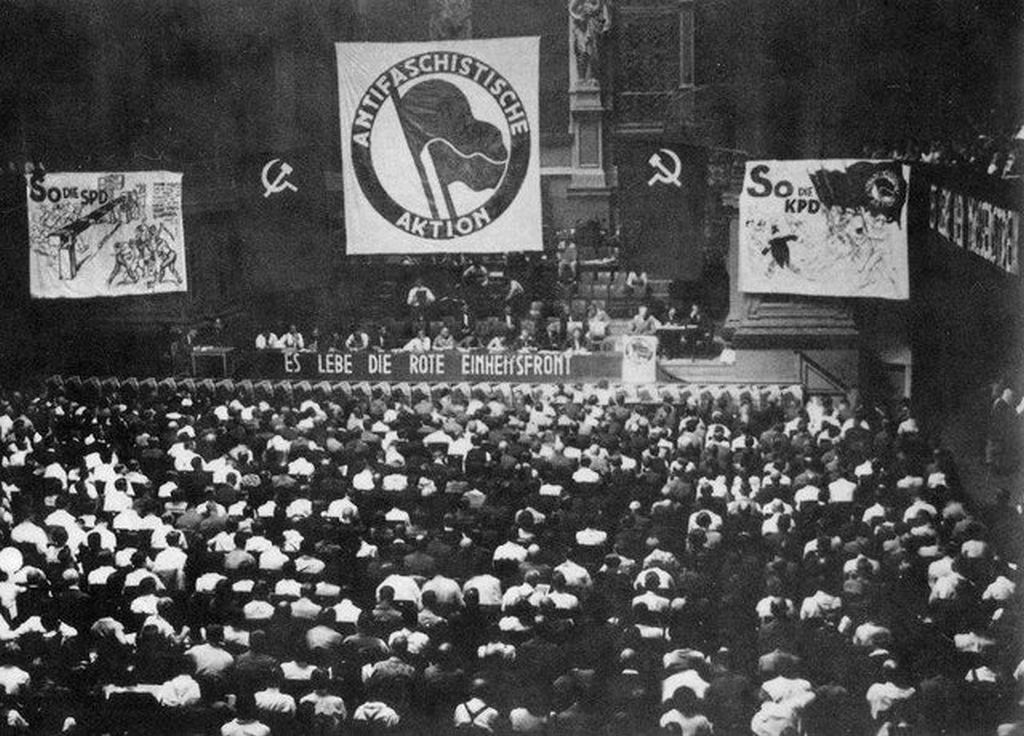 1932_anti-fascist_congress_of_the_united_front_in_berlin_held_it_was_attended_by_1_465_delegates_from_all_over_germany.jpg