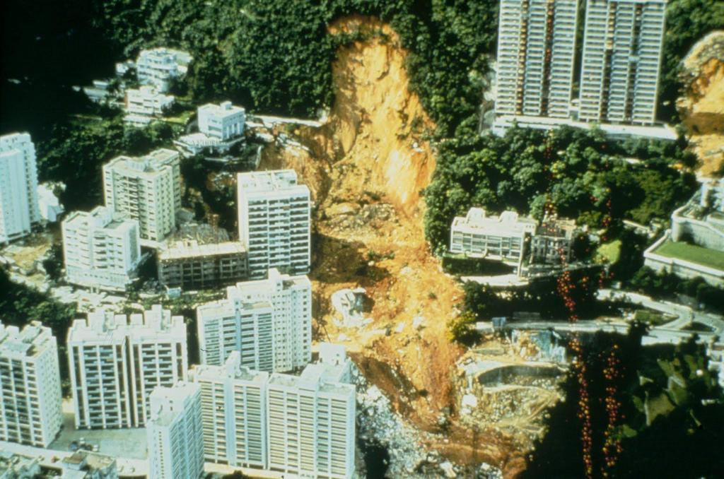 1972_aftermath_of_a_landslide_in_the_mid-levels_in_hong_kong_on_june_18_1972_which_resulted_in_the_death_of_67.jpg