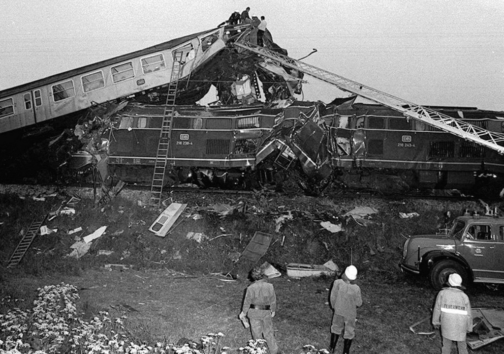 1975_warngau_train_collision.jpg