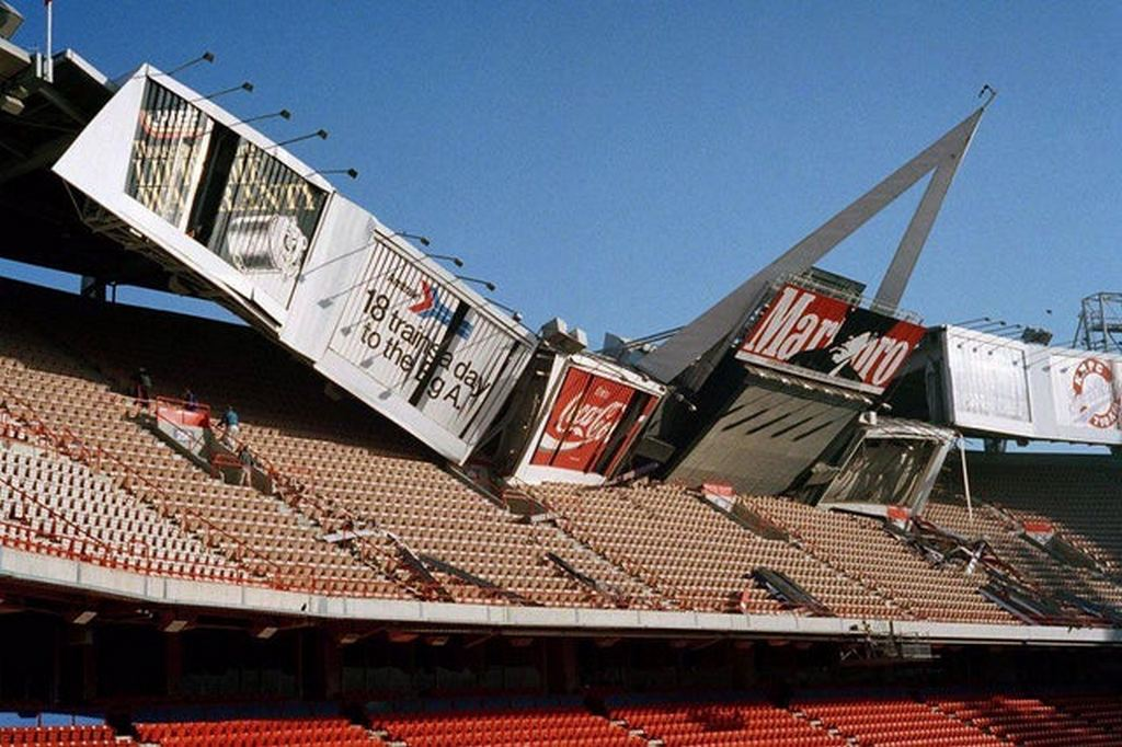 1994_a_scoreboard_collapses_in_the_angel_stadium_after_the_1994_northridge_earthquake.jpg