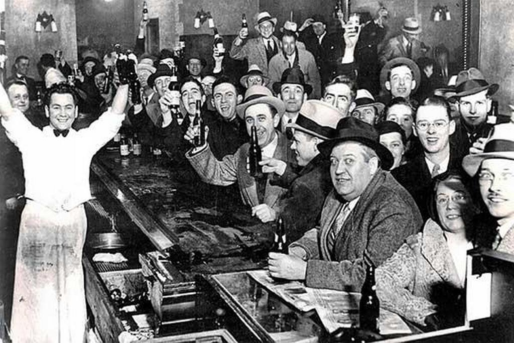 1933_celebration_in_a_bar_the_night_of_the_21st_amendment_being_ratified_december_5.jpg