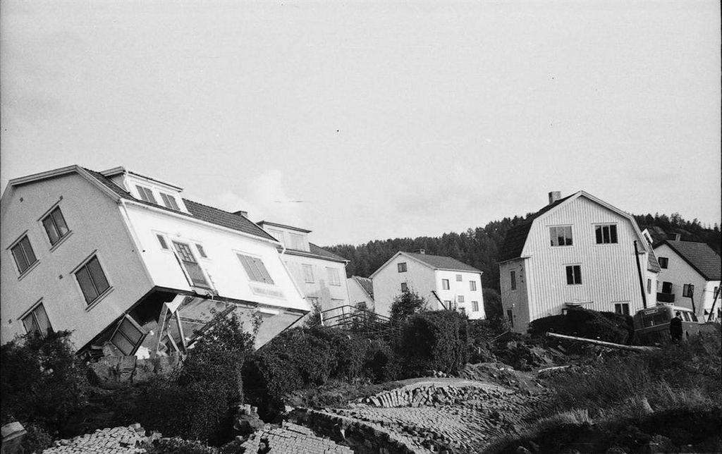 1950_aftermath_of_the_landslide_at_surte_sweden_cr.jpg