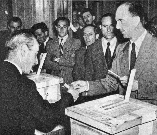 1946_umberto_ii_king_of_italy_on_the_right_casting_his_vote_during_the_referendum_on_the_abolition_of_monarchy.jpg