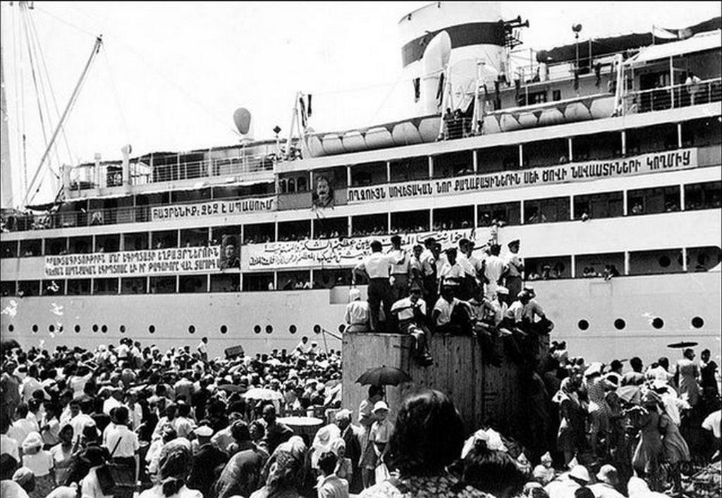 1947_egyptian_armenians_depart_alexandria_for_soviet_armenia.jpg