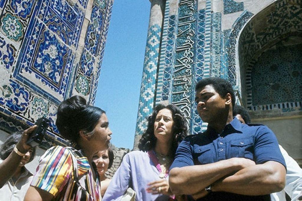 1978_muhammad_ali_in_samarkand_uzbek_ssr_ussr.jpg
