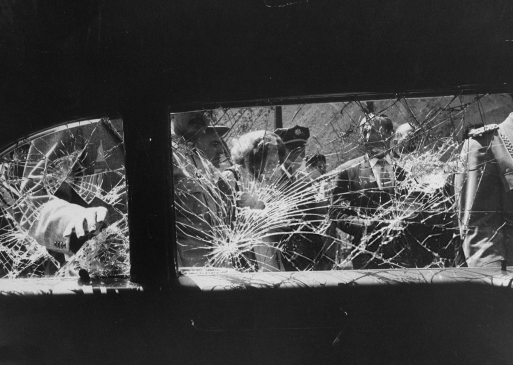 1958_demostrators_shattering_windows_of_vice_president_richard_m_nixon_s_car_during_his_tour_of_south_america.jpg