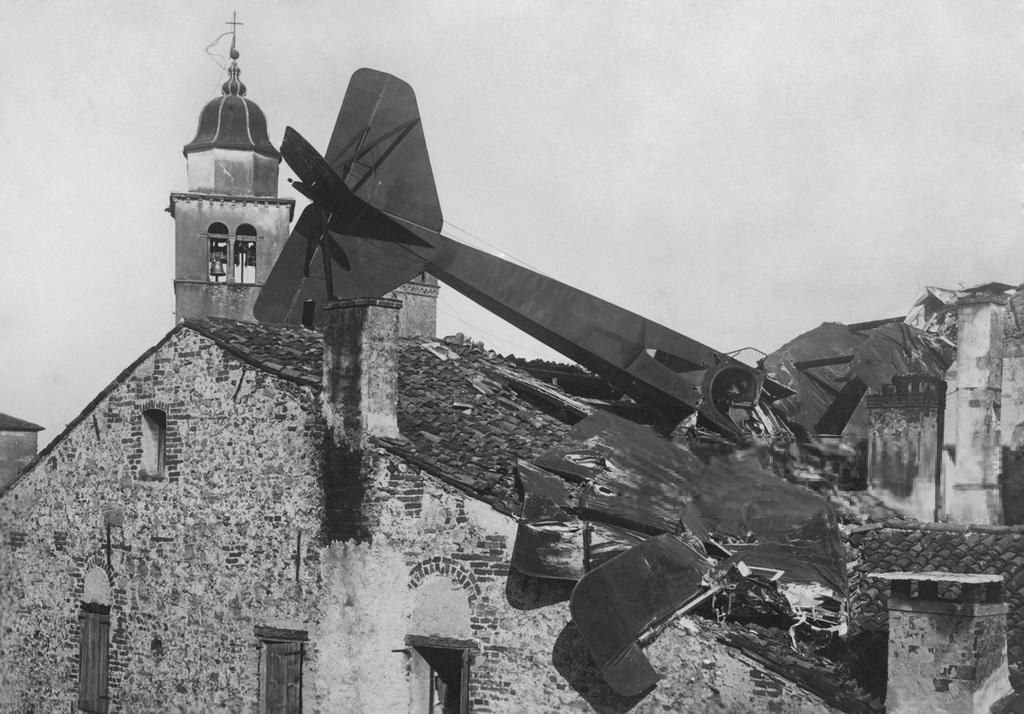 1916_korul_italy_veneto_asolo_austrian_airplane_shoot_down.jpg