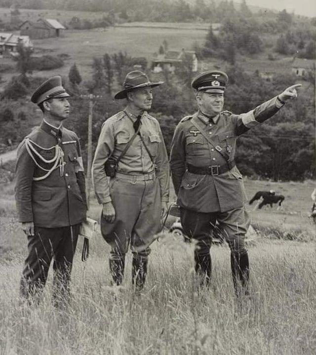 1939_japan_es_nemet_katonai_attasek_megfigyelokent_az_amerikai_hadsereg_new_england-ben_tartott_hadgyakorlatat_figyelik.jpg