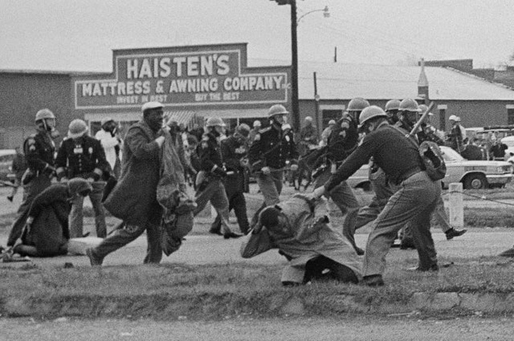 1965_alabama_state_troopers_assaulting_voting_rights_marchers_in_selma_alabama.jpg