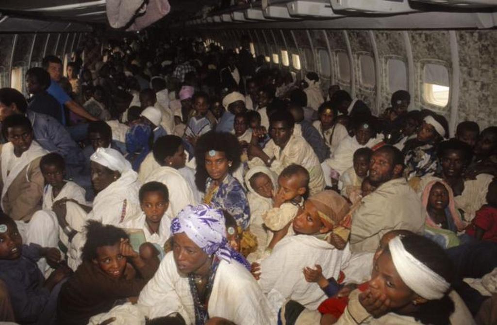 1991_a_polgarhaborus_etiopiabol_az_izraeli_kormany_az_etiop_zsidok_evakualasarol_dontott_a_salamon_muveletben_34_geppel_14325_embert_menekitettek_ki_boeing_747_1122_fo_rekord.jpeg