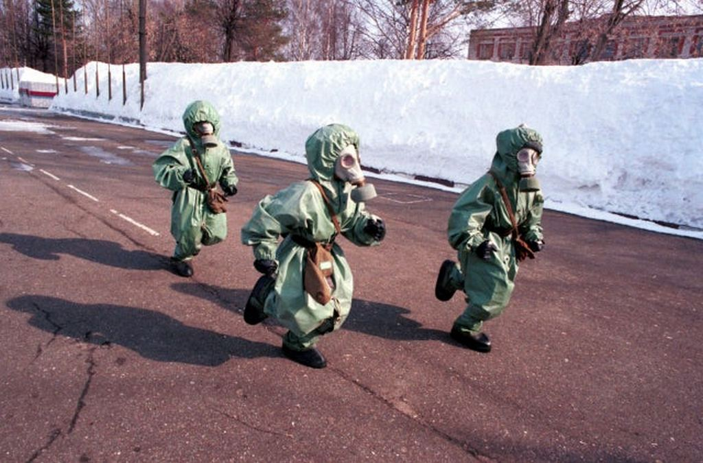 1999_kids_learning_how_to_act_in_case_of_a_chemical_attack_kineshma_russia.jpg